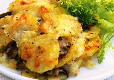 Сырный гратен из картофеля и грибов