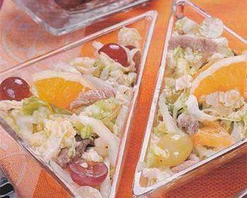 Салат из свинины с фруктами