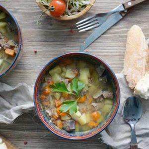 Немецкий суп Айнтопф с печенью и картофелем