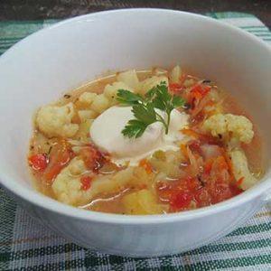 Овощная Солянка с адыгейским сыром, цветной капустой и помидорами «С дымком»
