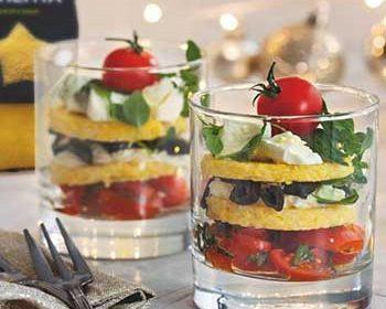 Веррины с полентой, фетой, помидорами и маслинами