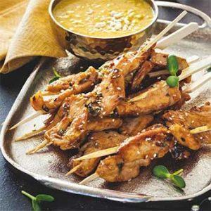 Шашлычки-сатай из индейки с арахисовым соусом