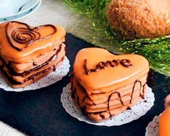Шоколадные пирожные шкатулки «Любовь — это...»