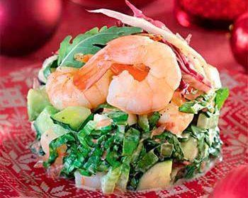 Салат с креветками, кальмарами и грейпфрутом
