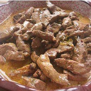 Бефстроганов из говяжьей печени в сметане