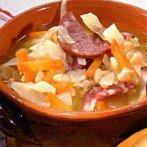 Польский фасолевый суп с колбасой