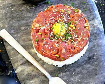 Тартар из говядины в стиле суши-бара