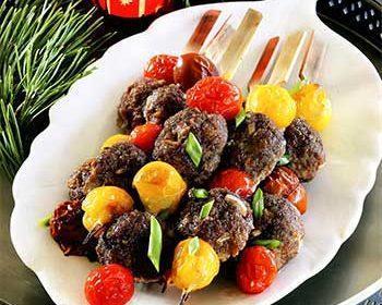 Шашлычки с фрикадельками в соусе терияки