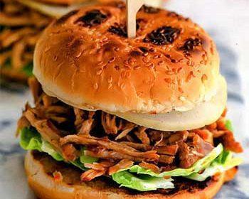 Бургер из свиного окорока