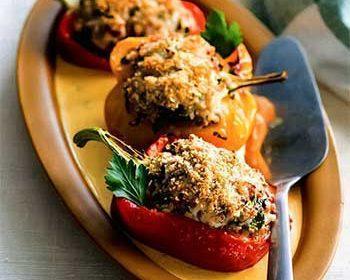 Фаршированные перцы сметанным соусом