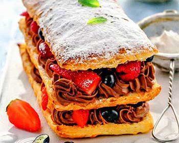 Слоеное пирожное с маскарпоне и шоколадом