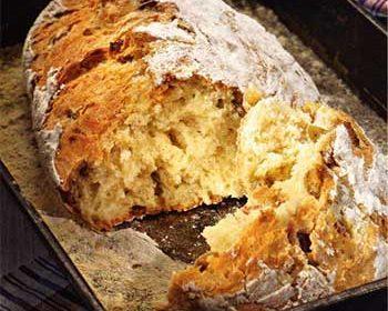 Хлеб с салом и оливками