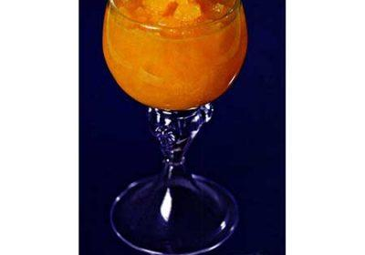 Коктейль с водкой и ананасами «Любовный напиток»