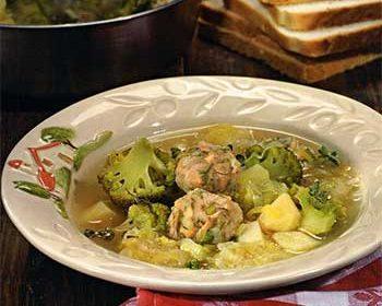 Рыбный суп с брокколи
