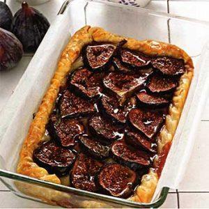 Пирог с инжиром и камамбером