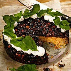 Миндальный торт со смородиной