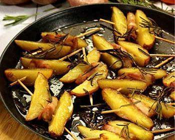 Картофель с беконом и розмарином