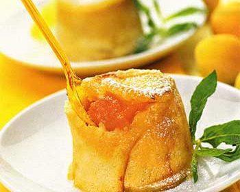 Фруктовые шарлотки из абрикосов