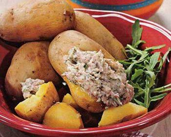 Молодой картофель с селедочным маслом