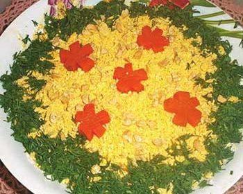 """Салат из плавленного сыра, сайры и яиц """"Мечта"""""""