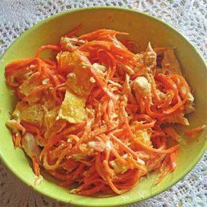 Салат из моркови по-корейски и куриного филе «Рыжик»