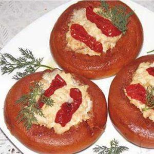 Бублики с фаршем и вялеными томатами