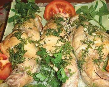 Кроличьи ножки в сметанном соусе