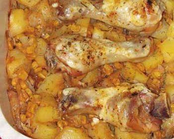 Куриные голени на картофельно-кукурузной подушке