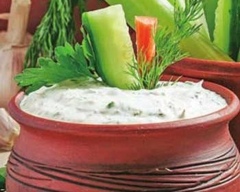 Сметанный соус с зеленью
