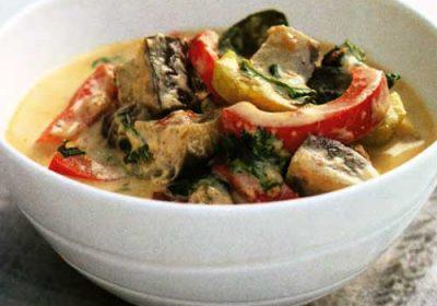 Овощи с красным тайским карри
