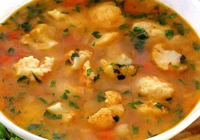 Пряный суп из цветной капусты с клецками