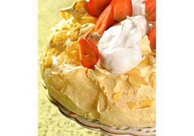 Торт «Павлова» с клубникой