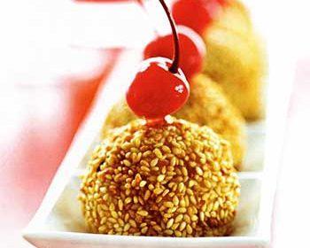 Сладкие шарики с вялеными грушами
